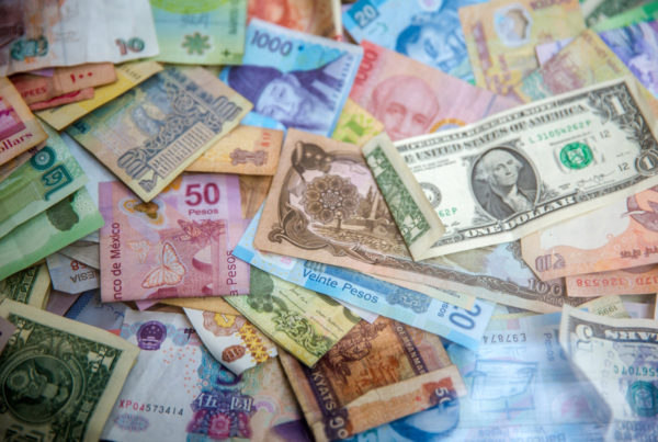 paper money in different currencies
